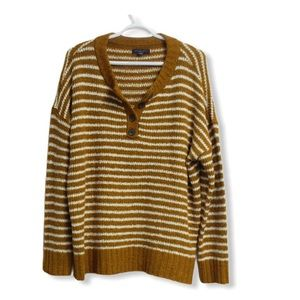 New without tags American Eagle Striped Sweater